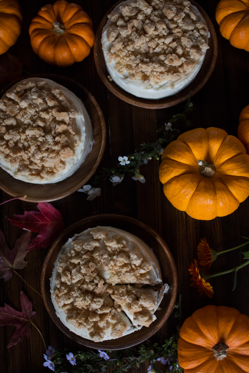 Mini pumpkin maple crunch cakes | Linden & Lavender