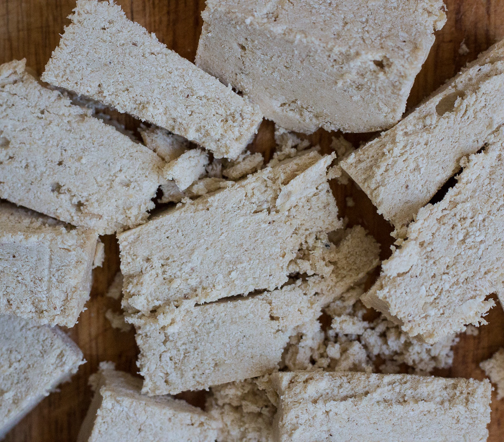 Chopped vanilla halva