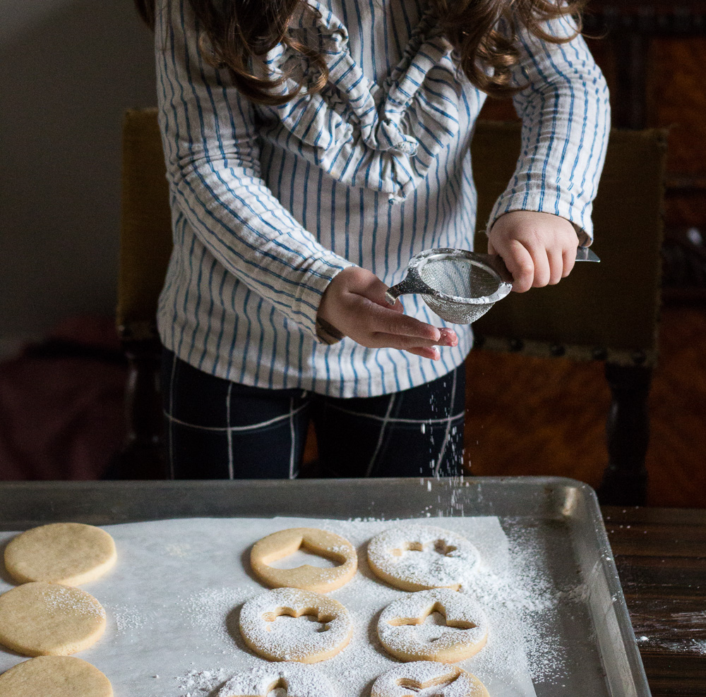 Decorating Cookies with Icing Sugar | Linden & Lavender