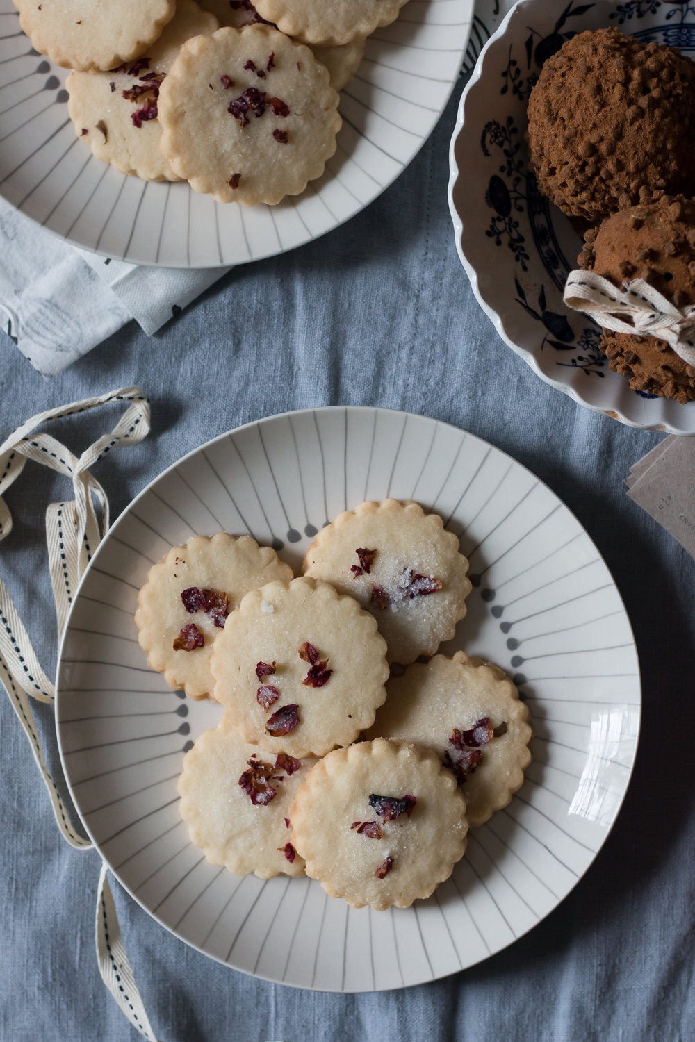 Shortbread Cookies with Rose Petal Decoration | Linden & Lavender
