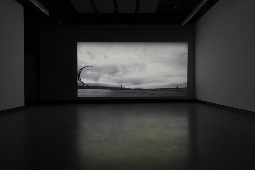 © Damir Očko,  We saw nothing but the uniform blue of the Sky (sirens for voice and sounds)  (2012). Vue de l'exposition. Photo : Marilou Crispin.