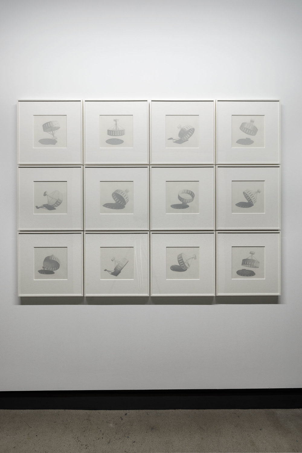 © David K. Ross,  Horologica  (1996). Vue de l'exposition. Photo : Guy L'Heureux.