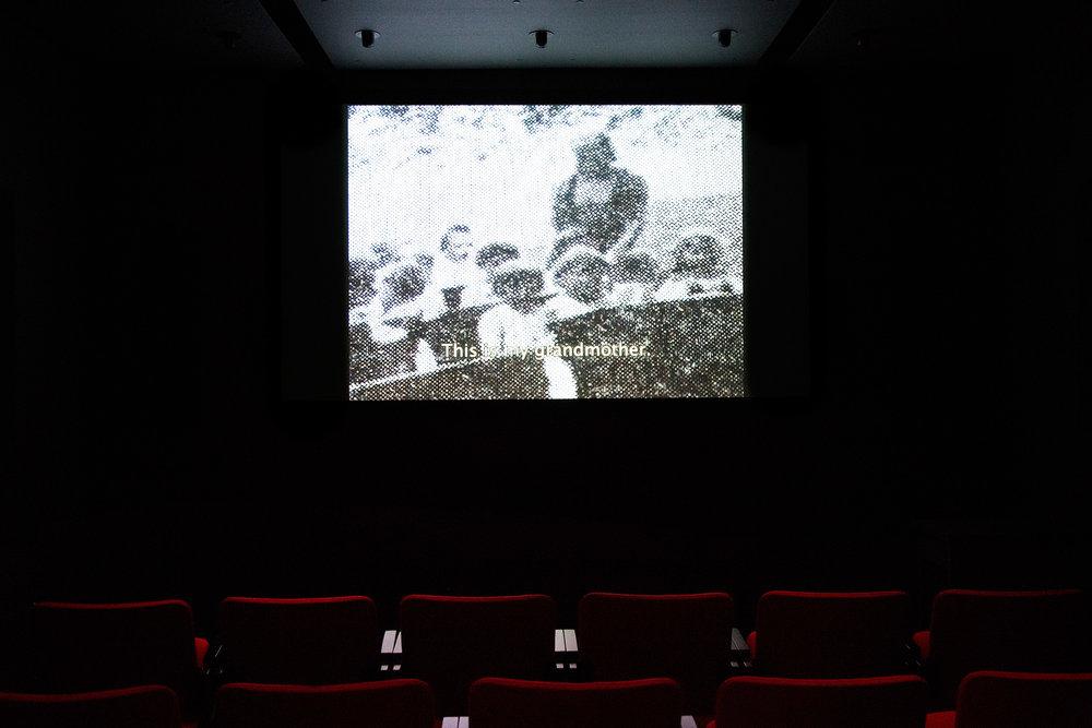© Ana Bilankov,  In War and Revolution  (2011). Vue de l'exposition. Photo : Sara A. Tremblay.