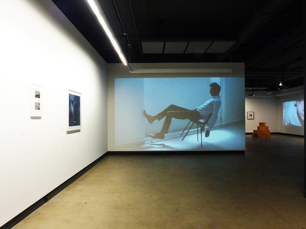 © Vue de l'exposition Home Sweet Home. À propos de l'inquiétude(2014). Photo : Dazibao.