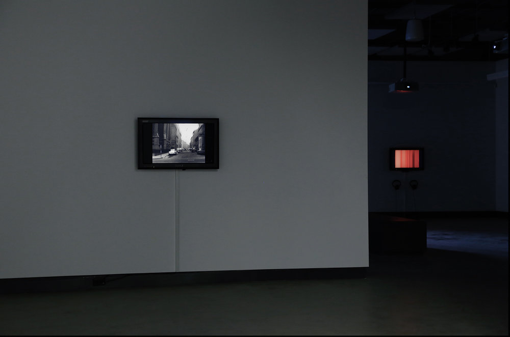 © Vue de l'exposition Electronic Sound in a Shifting Landscape (2014). Photo : Sara A. Tremblay.