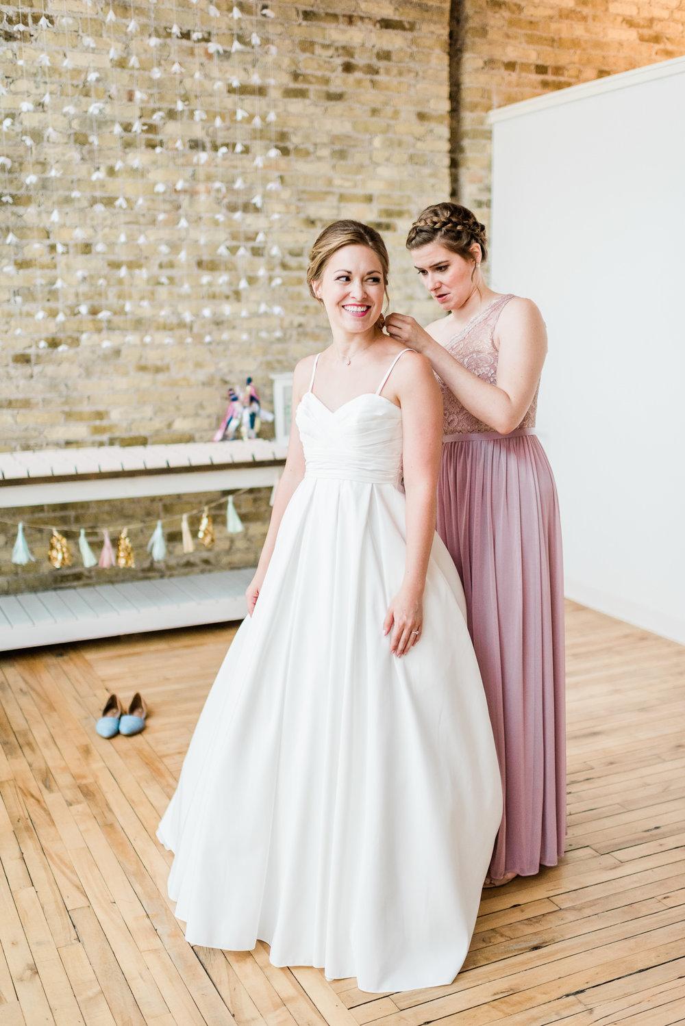 Mercantile-Hall-Wedding-Photographers-AB-008.jpg