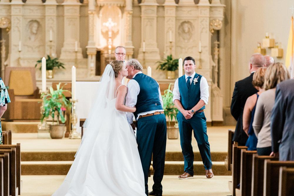 Mercantile-Hall-Wedding-Photographers-AB-044.jpg