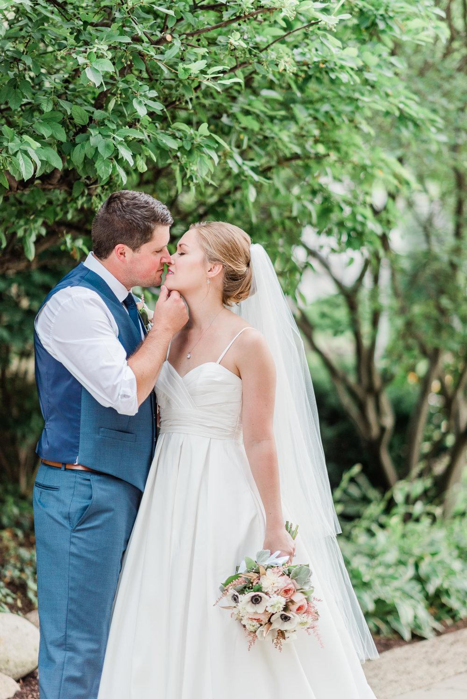 Mercantile-Hall-Wedding-Photographers-AB-088.jpg