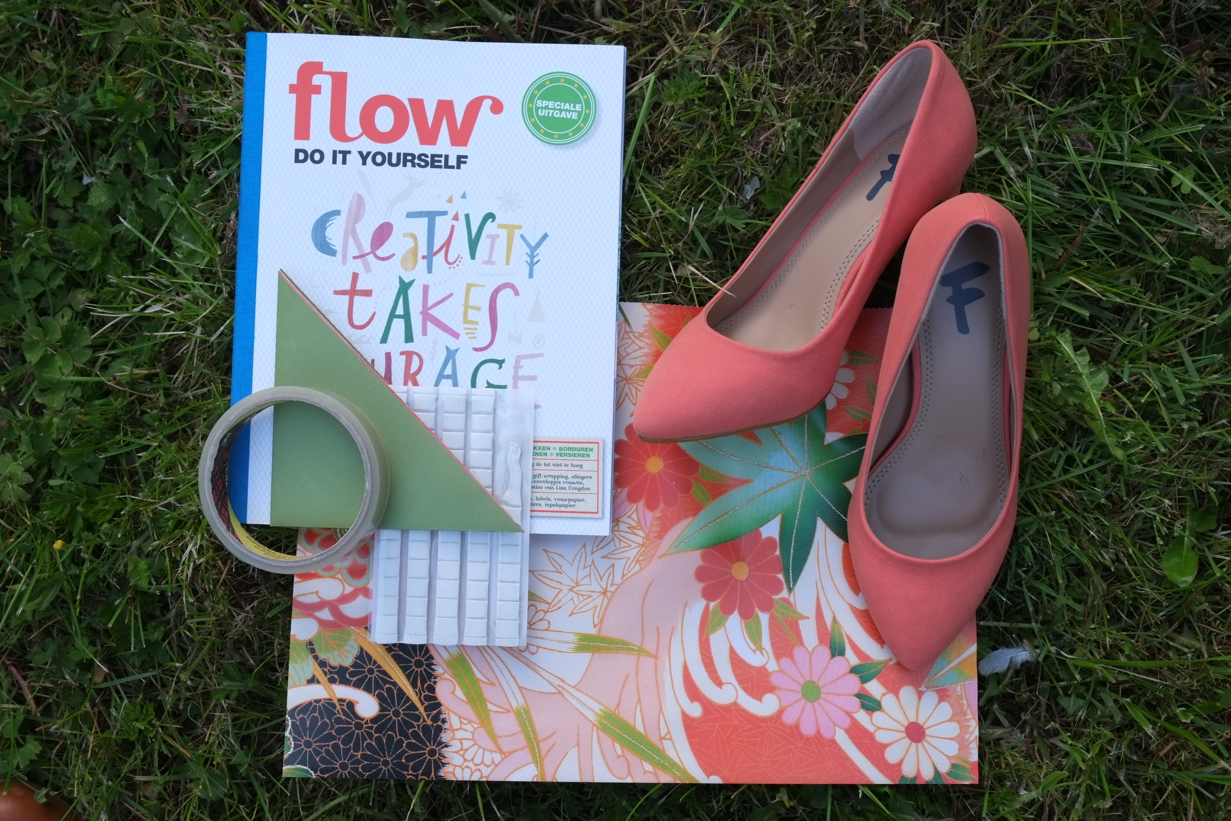 Flair pumps in Kimono papier van Pepin Press met origami bloem