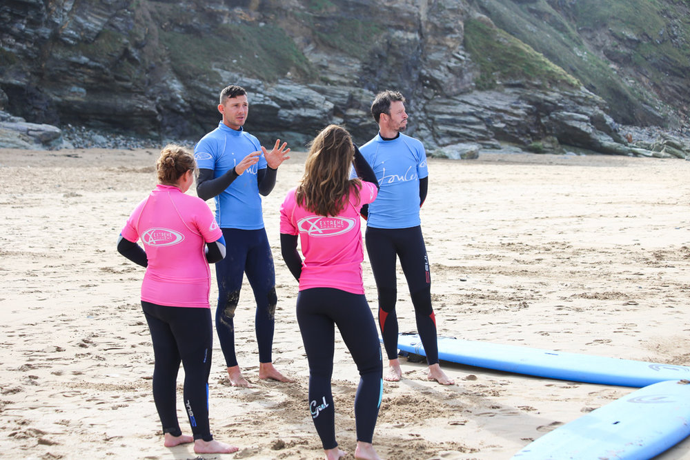 Surfing lesson Newquay