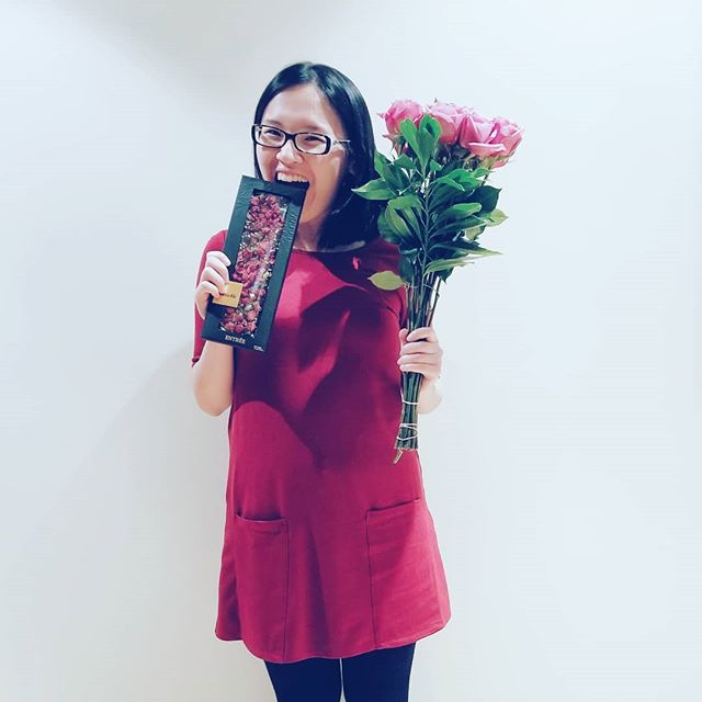 Receiving. Pink roses and rose chocolate to celebrate the end of a week! ♡ #goddessvibes  #pictureoftheday #inspiration #yum #present #love #beauty #human #wonder #freedom #red #pink #art #chocolate #relax #possibility #fun #happy #gratitude #write #play #light #curious #explore #journey #heart #soul #expression #saturday