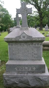 Gravestone of Richard Wolfe at Saint Columba Cemetery in Ottawa, Illinois (Holly / Find a Grave)