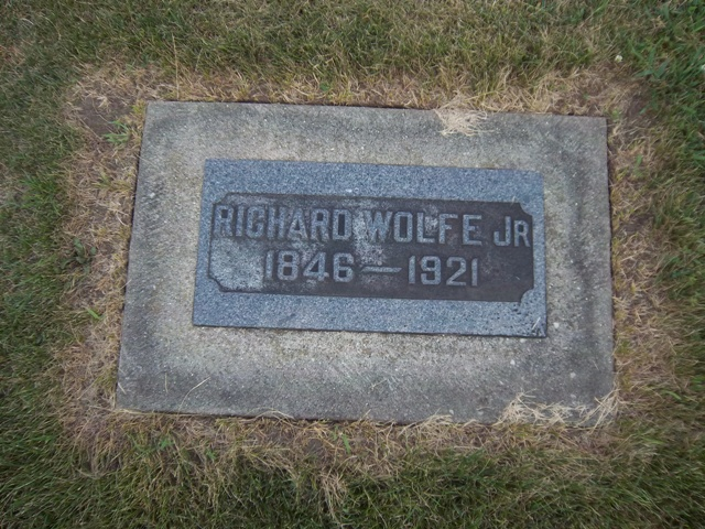 "Gravestone of Richard ""Dick"" Wolfe at Saint Columba Cemetery in Ottawa, Illinois (The VanFleets / Find a Graves)"