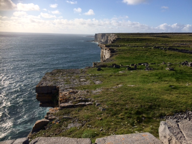 inishmore cliffs.JPG