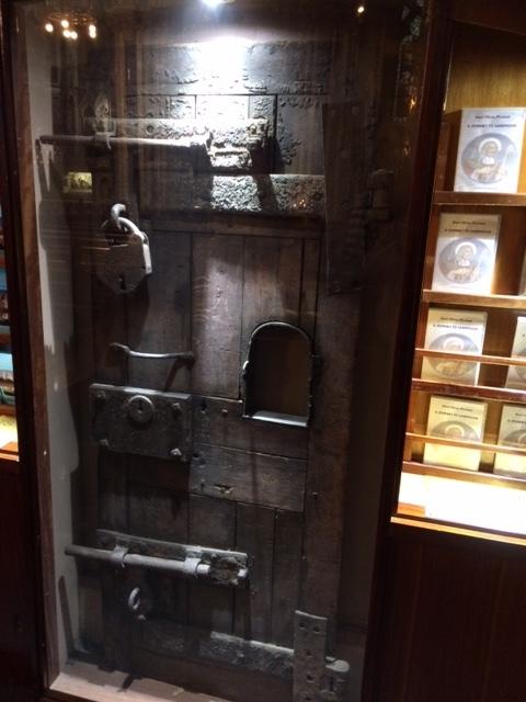 Oliver cell door cu.JPG