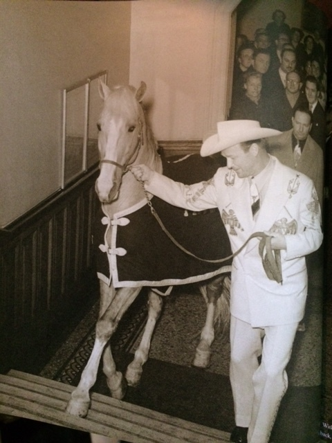 Roy Rogers and Trigger in the Grand Central Hotel, Glasgow.