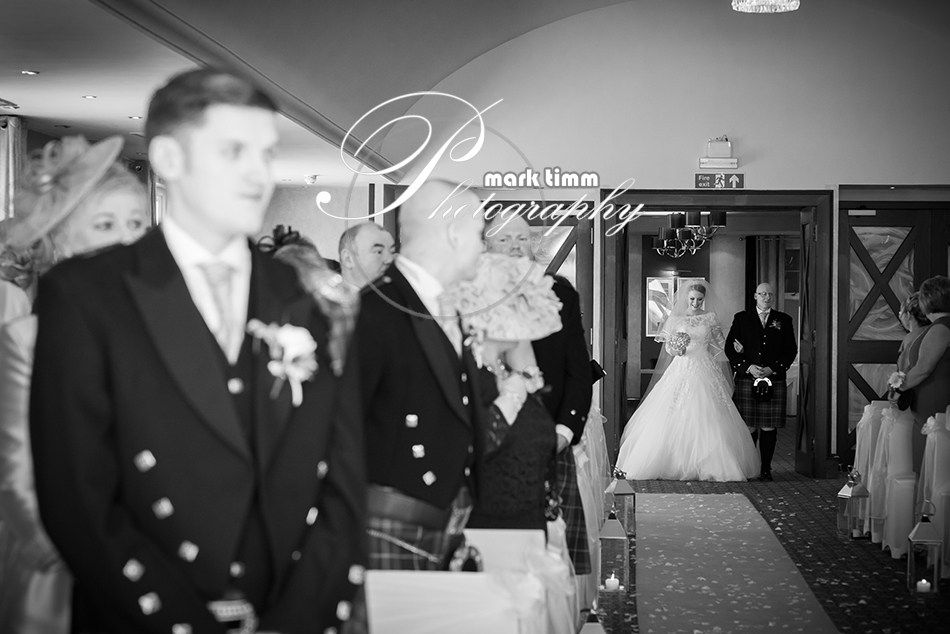Lochside-House-wedding-photographer-13.jpg