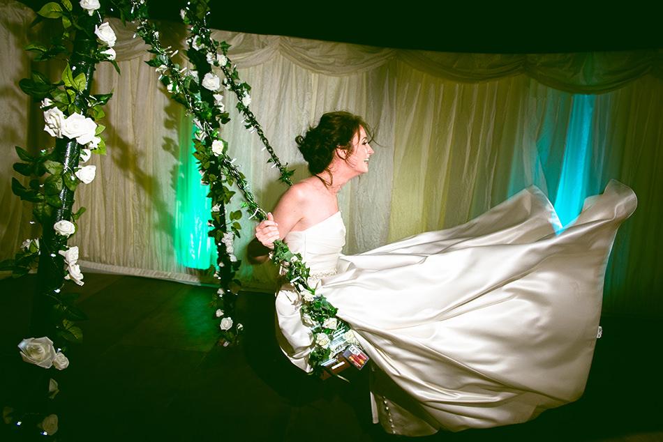fun wedding photos glasgow