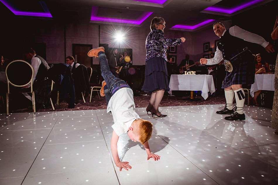 fun wedding photography glasgow