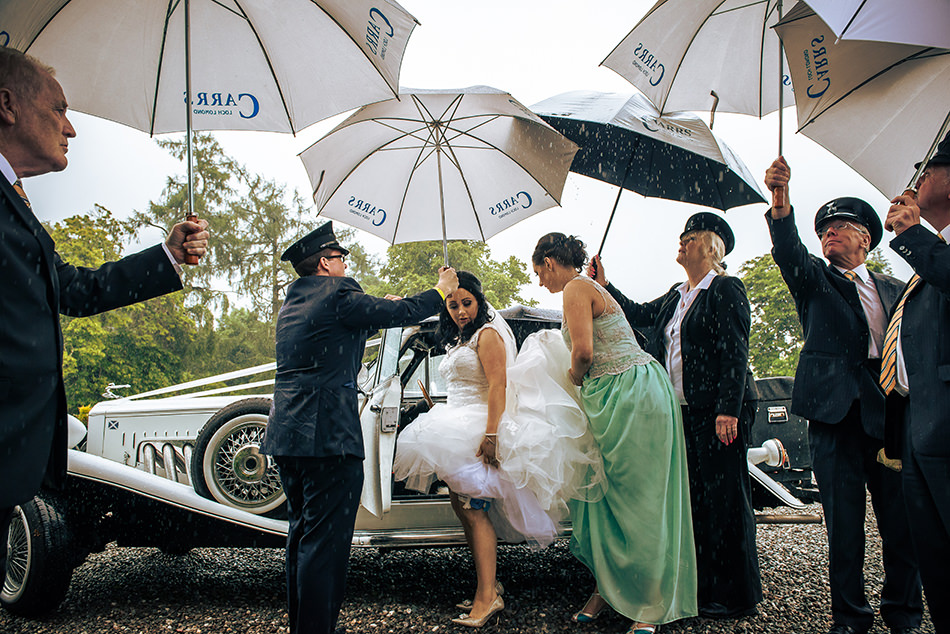 rainy wedding loch lomond