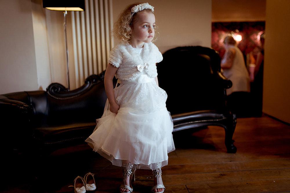 funny wedding photography glenskirlie scotland