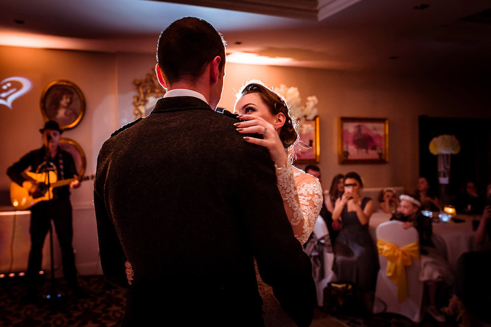 glenskirlie wedding dancing photographer