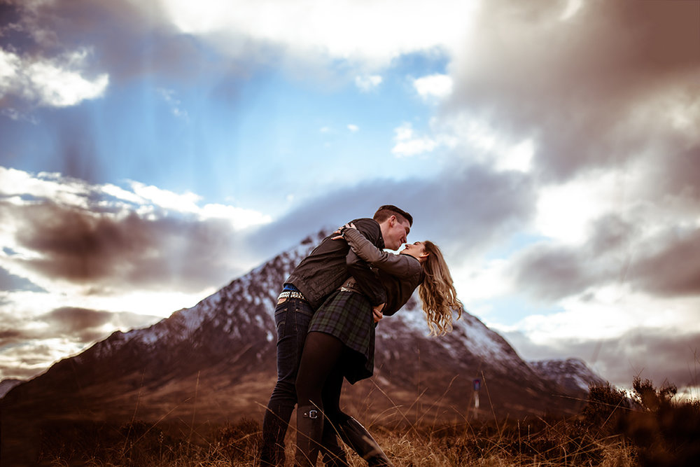 alternative romantic wedding photography buachaille etive mor
