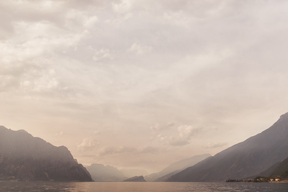 italian lakes wedding photographer