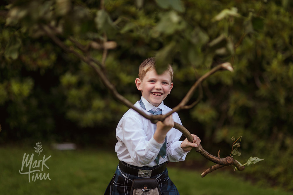 fun wedding photographs glasgow