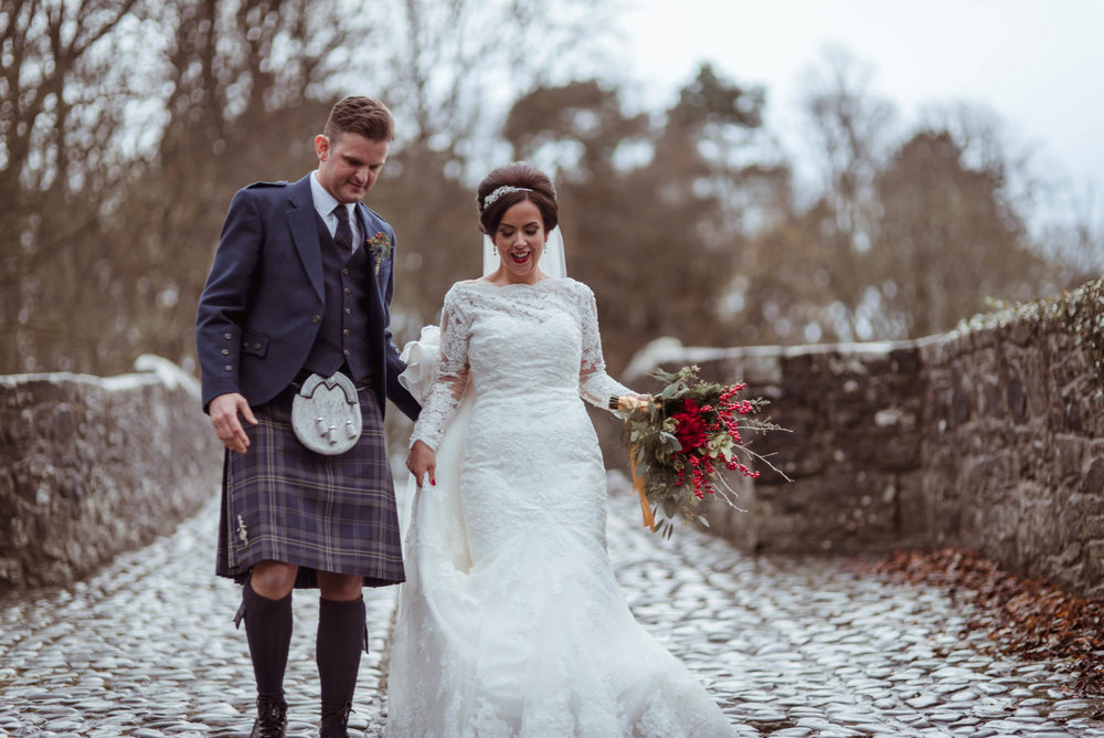 Brig o doon wedding photographer.jpg