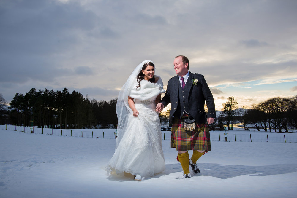 snow-scottish-wedding-photography