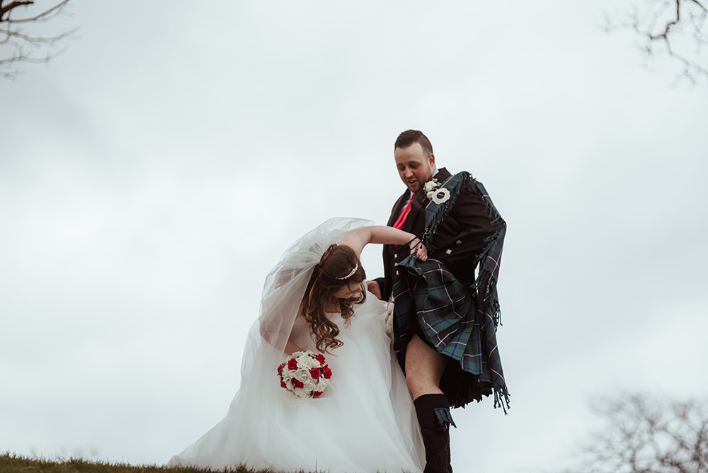 fun wedding photography glasgow.jpg