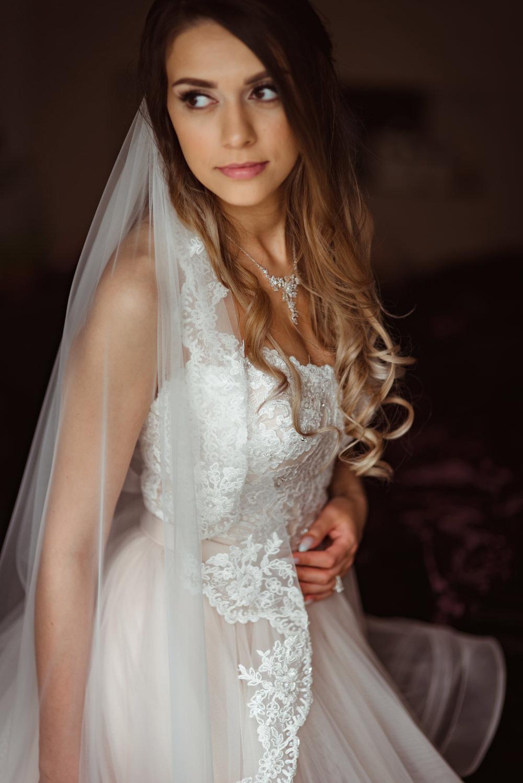anne-priscilla-wedding-dress.jpg