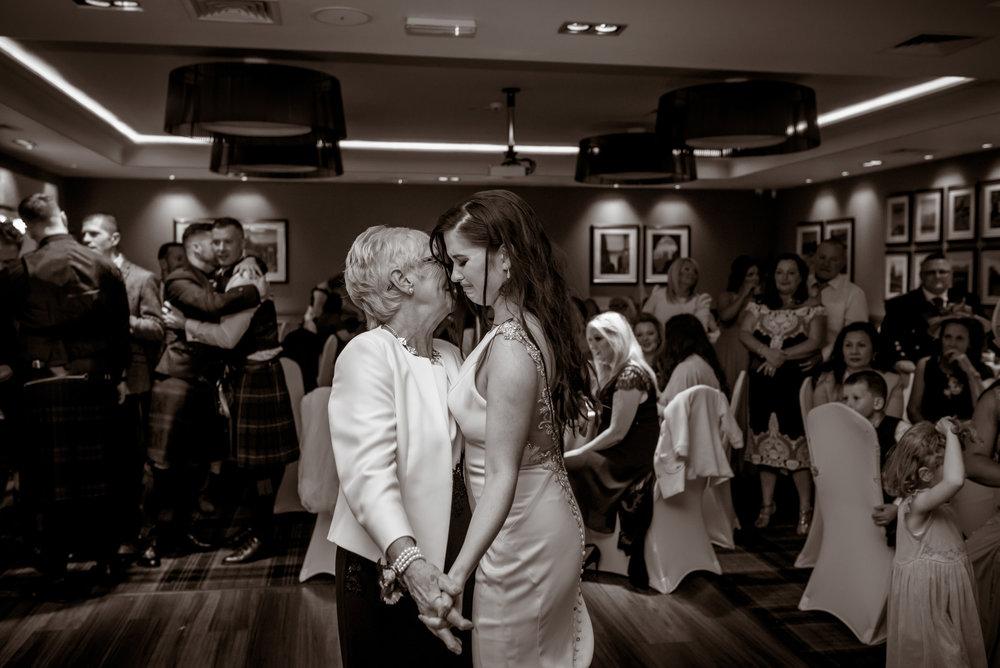 natural-wedding-photography-chatelherault.jpg