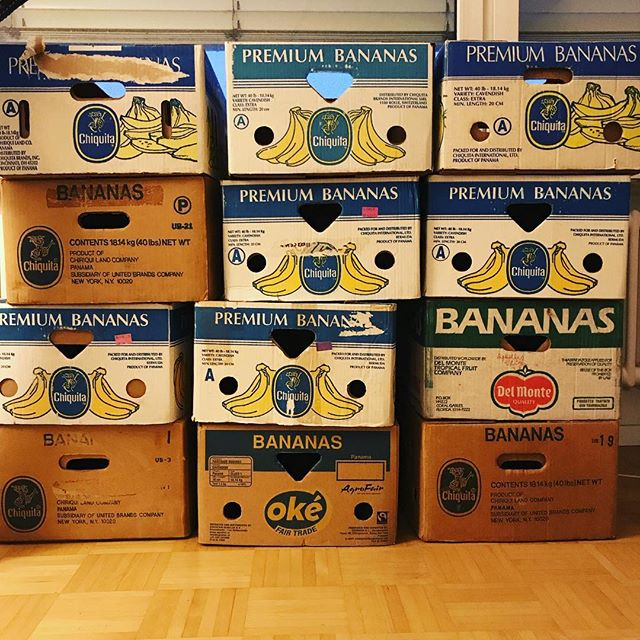 When you're moving, but also really like bananas. 🍌🍌📦 #moving #boxes #goingbananas