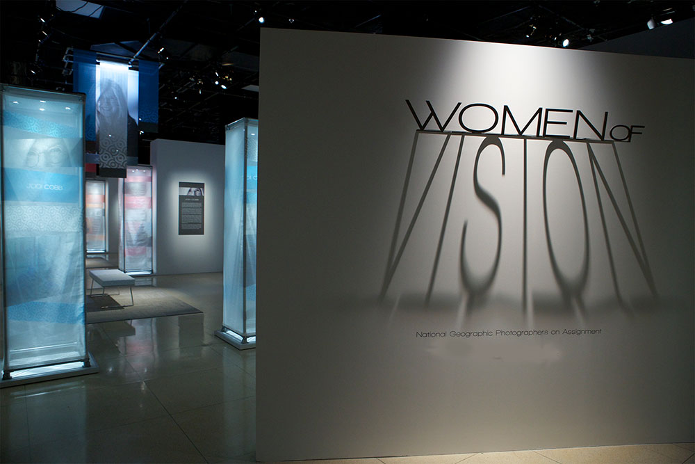D Coform Exhibition : Women of vision exhibit opening for national geographic