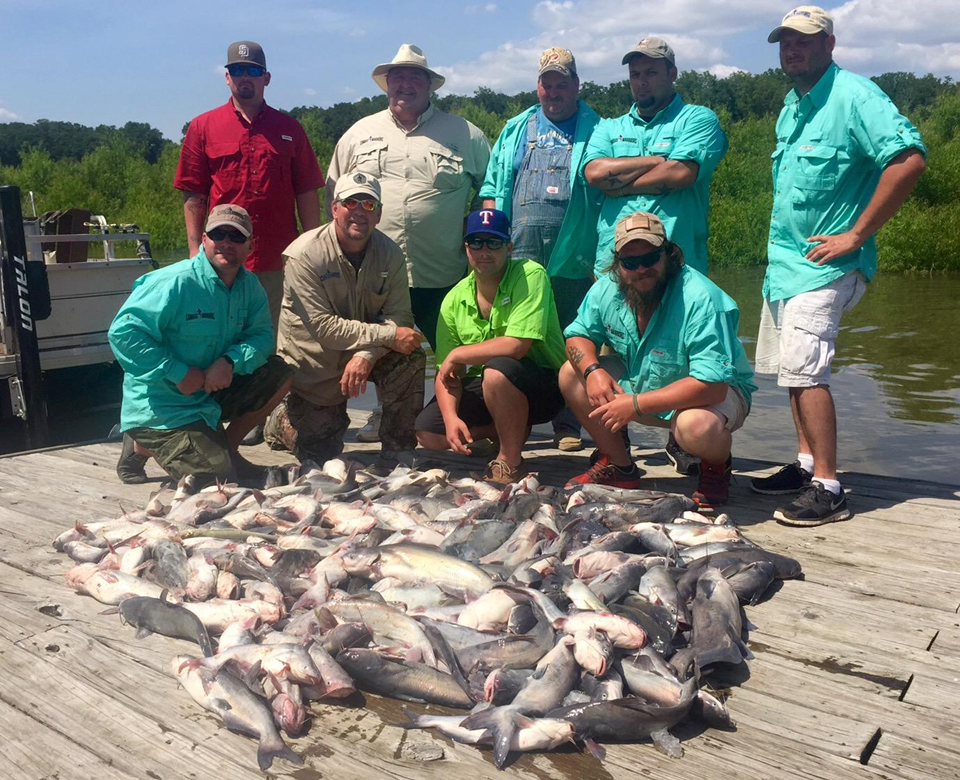 2015TexasSpringFishingTripGroupCatfish[1].jpg