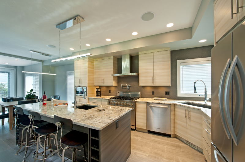 Horizontal Grain Kitchen