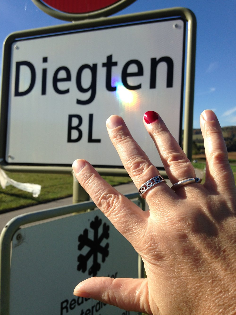 GABRIELA ROTH Leiterin Administration     BEUNLIMITED     Lood 207b 3803 Beatenberg    Switzerland        Phone: +41 77 435 85 20    Kummer Nummer: 0800 66 99 11        www.beunlimited.org[1]    gabriela.roth@beunlimited.org[2]        Links: ------ [1] http://www.beunlimited.org/ [2]