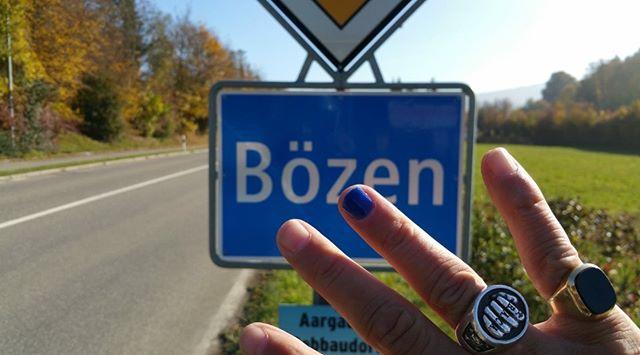 #stoppmissbrauch #kummernummer #nägelmitköpfen #bözen