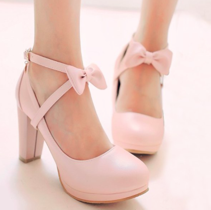 vintage/ shabby chic pumps love the pastel pink