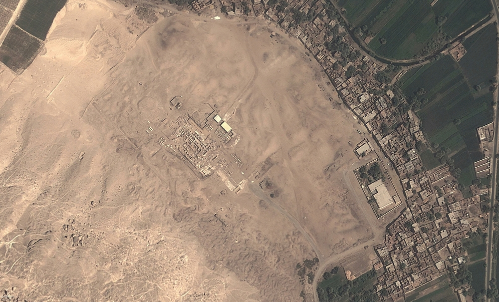 Mapping the looting happening across Egypt, to pave the way for better protection of ancient sites. Photo courtesy of http://www.globalxplorer.org/.