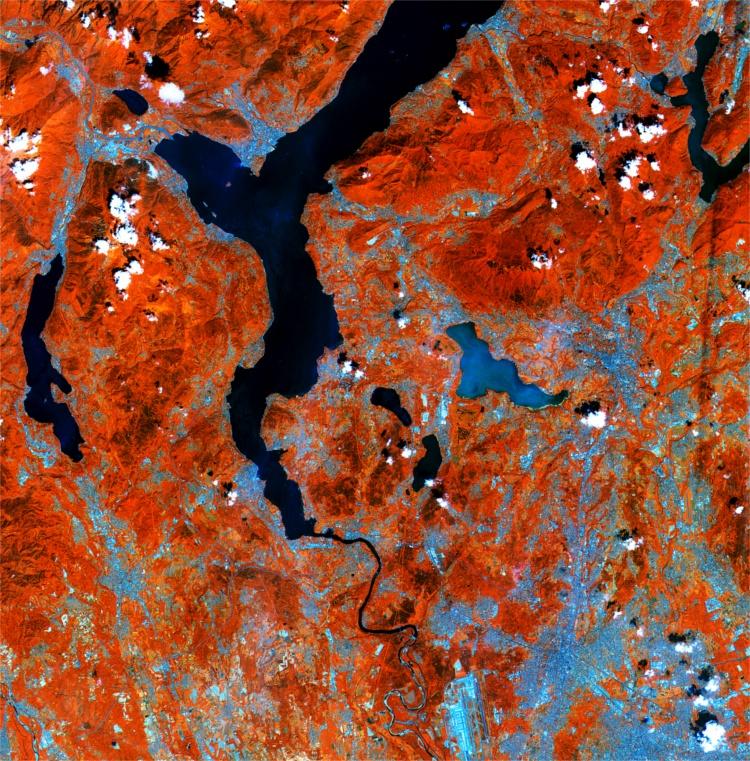 Northern Italy, Copernicus Sentinel data (2015)/ESA,  CC BY-SA 3.0 IGO