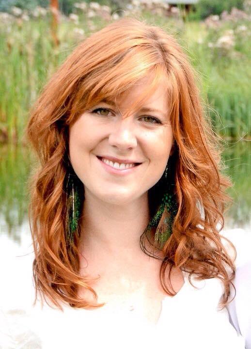 Lindsay DeGroot babywearing author