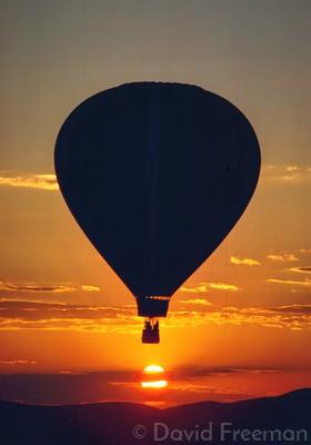718 Hot Air Baloon at Sunrise.jpg