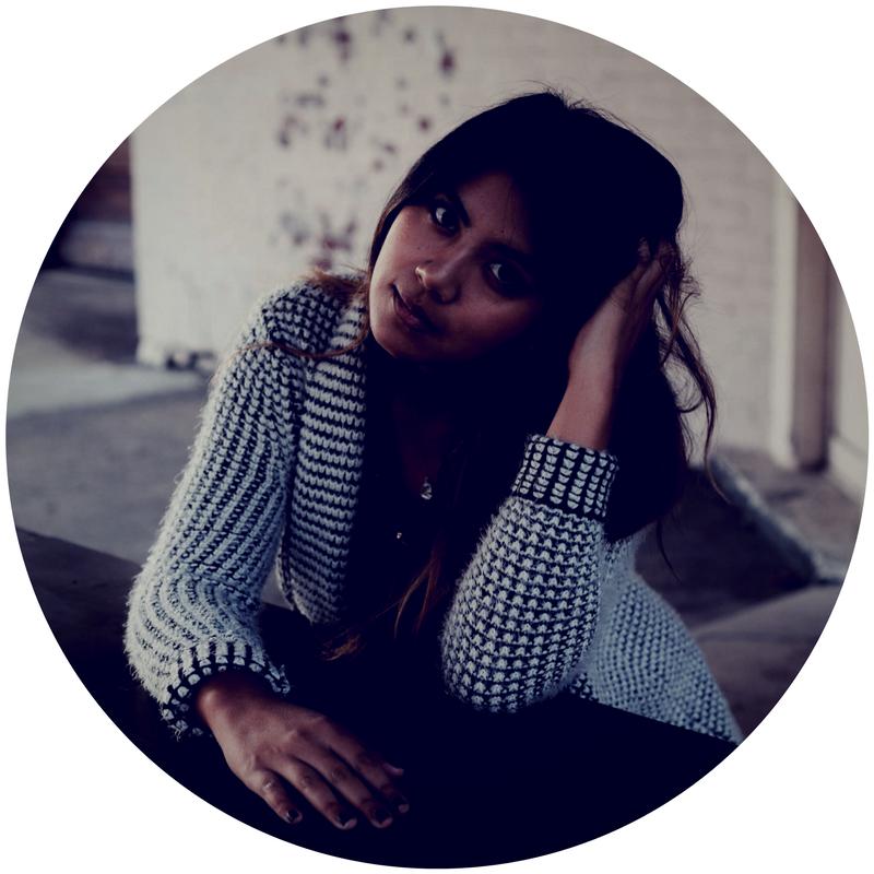 Jasmine Circles Headshot.png