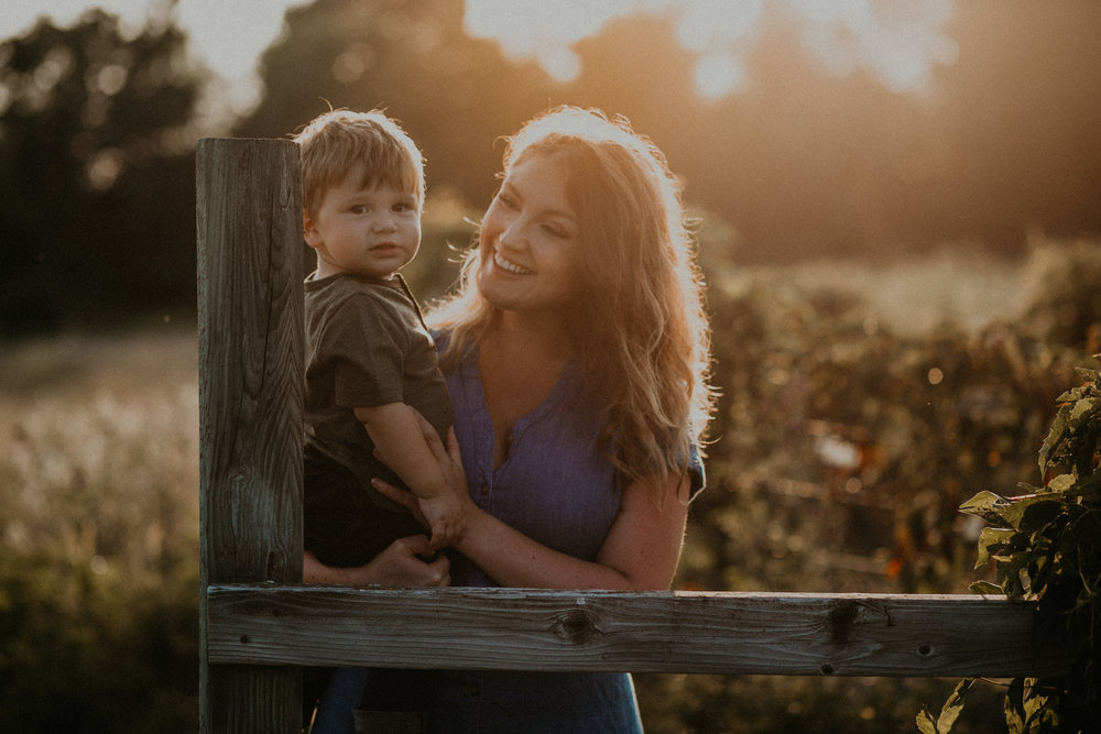 River Falls WI lifestyle family photographer sunset