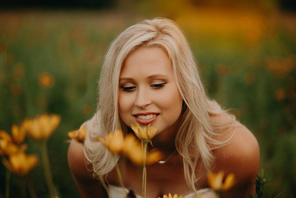 spring-valley-senior-yellow-flowers-hudson-wi-photographer