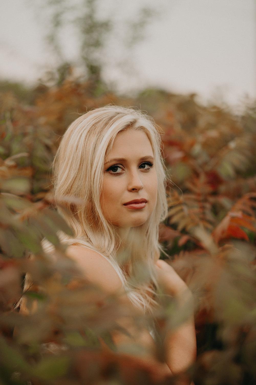 fall-senior-photography-session-hudson-wi