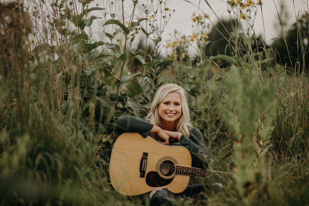 guitar-senior-photographer-hudson-wi